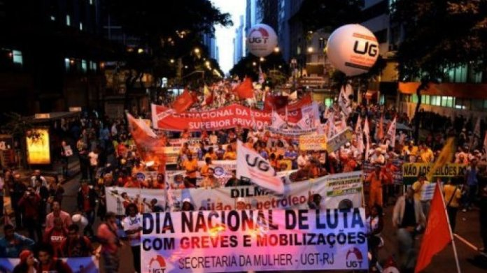 Brazil-workers-strike1